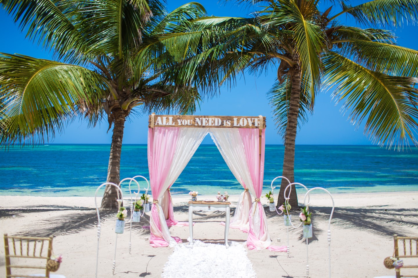 Wedding in the dominican republic in the rustic romance for Weddings in the carribean